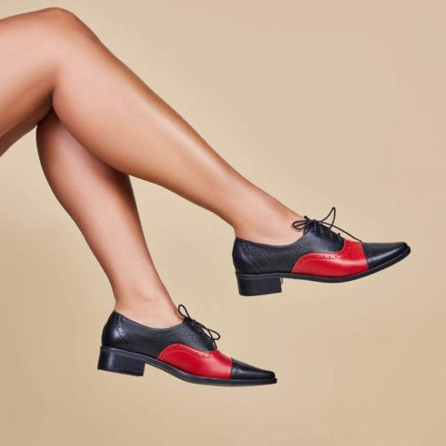Sapato Oxford Bico Fino Preto e Vermelho
